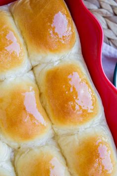Aunt Shirley's Famous Dinner Rolls (and a Bun in the Oven Announcement!) - The Food Charlatan Fluffy Dinner Rolls, Homemade Dinner Rolls, Dinner Rolls Recipe, Homemade Breads, Best Bread Recipe, Banana Bread Recipes, Delicious Desserts, Yummy Food, Bread And Pastries