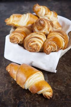 Croissant Recipe, Braided Bread, Blueberry Recipes, Oatmeal Recipes, Croissants, Pretzel Bites, Almond, Lime, Food And Drink