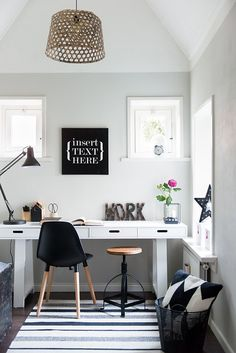 Browse pictures of home office design. Here are our favorite home office ideas that let you work from home. Shared them so you can learn how to work. Modern Office Decor, Home Office Decor, Home Decor Bedroom, Room Decor, Office Ideas, Art Decor, Office Inspo, Office Style, Bedroom Rustic