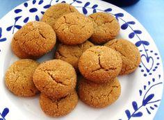 Hierdie gemmerkoekie-resep het by die Pretoria Skou met die eerste prys weggestap. Biscuit Cookies, Biscuit Recipe, No Bake Cookies, Baking Cookies, Pastry Recipes, Cookie Recipes, Dessert Recipes, Desserts, Dot Foods