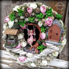 Fairy Land, Summer Wreath, Door Wreaths, Faeries, Bird Houses, Diy And Crafts, Floral Wreath, Diy Projects, Crafty