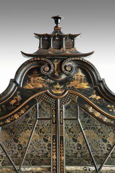 爱 Chinoiserie? Mais Qui! 爱 home decor in Chinese Chippendale style -  Black and Gold Chinoiserie