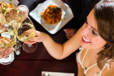 Spring wedding coming up? Inexpensive wedding rehearsal dinner ideas!