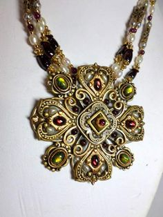 shopgoodwill.com: Michael Golan Beautiful Necklace w/Gem