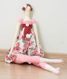 Boneca Tilda -  Primavera Rosa e Vermelho