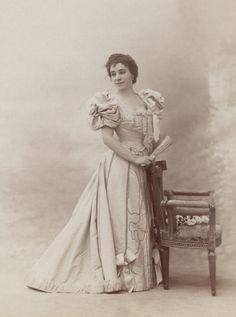 1890s fashion by Atelier Nadar