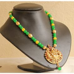 BEAUTIFUL UNIQUE GOLD TONE GREEN YELLOW HUGE ROYAL TEMPLE PENDANT NECKLACE