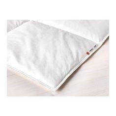 IKEA - HÖNSBÄR, Edredón cálido, -, 240x220 cm, , Si no sientes demasiado frío ni calor cuando duermes, este edredón con más relleno es una buena opción.El relleno con gran proporción de plumas elimina la humedad y mantiene un entorno de descanso seco toda la noche.La funda de algodón y el relleno permiten que el aire circule, para mantener un entorno de descanso seco a temperatura uniforme.El calor se distribuye de manera uniforme, porque el edredón se ha cosido en cuadrados para mantener…