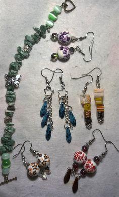 smaragd splitter barcelet with metal butterfly; dagger bead-string earrings; sqauers earrings; globe with flower earrings