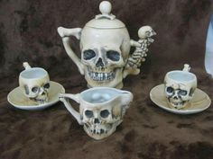 Skully tea set! Want!