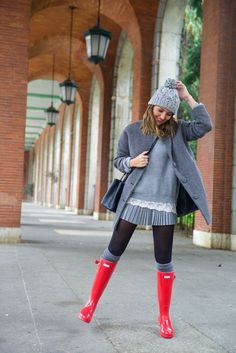 Lovely Pepa: 100 mejores looks - Style Lovely Red Hunter Boots, Red Rain Boots, Hunter Wellies, Snow Boots, Casual Fall Outfits, Fall Winter Outfits, Autumn Winter Fashion, Looks Street Style, Looks Style