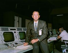 Picture of the day for July 23 2019 by Nasa Christopher C. who died July 22 2019 created the concept of NASA's Mission Control and developed its organization operational procedures and culture Nasa Pictures, Nasa Photos, Nasa Images, Nasa Missions, Apollo Missions, Gemini Images, Programme Apollo, Apollo Program, Johnson Space Center