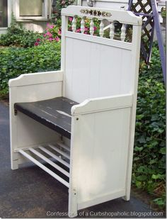 vintage suitcases, I have SEVERAL old cribs in my garage I've been meaning to make into benches. This is one of cooler ones I've seen. Redo Furniture, Headboard Benches, Furniture Diy, Cribs, Furniture Projects, Furniture, Old Cribs, Repurposed Furniture, Recycled Furniture