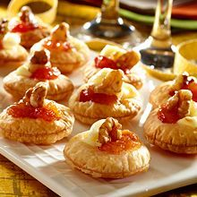 The classic sweet-and-salty combination of GOYA® Guava Paste and GOYA® Queso Blanco (white Cheese) comes alive in this party-ready holiday appetizer. With 4 ingredients and 15 minutes of prep time, these festive guava and cheese bites will be a welcome addition to your holiday menu. Try this delicious guava recipe today!