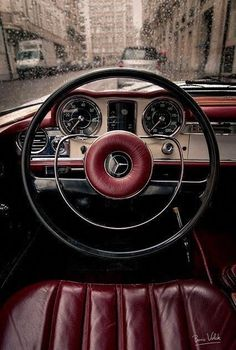 Burgundy at its best. Mercedes Benz Coupe - Marsala Pantone Color of the Year 2015 Mercedes Benz Coupe, Mercedes Auto, Mercedes Sports Car, Luxury Sports Cars, Sport Cars, Classic Mercedes, Bmw Classic Cars, Marsala, Supercars