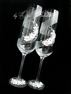 Winter Blizzard Winter Wedding champagne Glasses with by ArtsLux