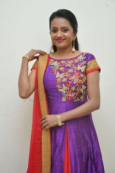 Salwar Designs, Kurti Designs Party Wear, Blouse Designs, Chudidhar Designs, Kalamkari Dresses, Sumo, Dresses Kids Girl, Saree Dress, Indian Designer Wear