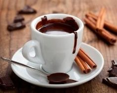 Whether ordering in a café or purchasing at the market to whip up at home, hot chocolate is a favorite cold season drink. Read on for the absolute best hot chocolate around the Peninsula. Café Chocolate, Mexican Hot Chocolate, Chocolate Dreams, Hot Chocolate Recipes, Melted Chocolate, Chocolate Heaven, Healthy Eating Tips, Kakao, Chocolates