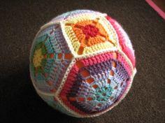 Crochet ballon ball