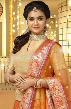 Sivakarthikeyan Keerthi Suresh At Rajini Murugan Single Track Beautiful Girl Indian, Most Beautiful Indian Actress, Beautiful Actresses, Men's Fashion, Fashion Week, Trendy Fashion, Fashion Jewelry, Beauty Full Girl, Beauty Women