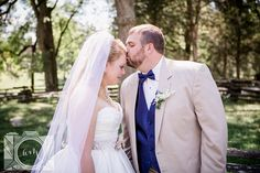 Bride and Groom pictures at museum of Appalachia by Amanda May Photos