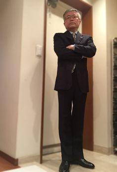 Ravazzolo's navy suit — Y.T