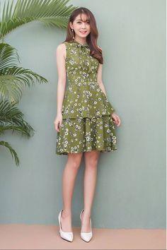 Đầm Hoa Xòe 2 Tầng Cột Nơ Lovely Dresses, Simple Dresses, Casual Dresses, Short Dresses, Girls Dresses, Dress Sewing Patterns, Cute Fashion, Women's Fashion Dresses, Dress To Impress