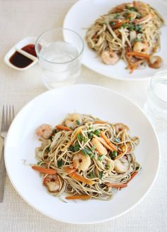 Shrimp Lo Mein - A BEAUTIFUL MESS -try with chicken or tofu instead of shrimp