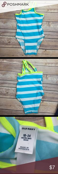 💜Old Navy size 18-24 Months bathing suit Like new, very clean.  Size 18-24 Months.  🛍 bundle 2+ items and receive a 25% discount automatically 🛍 Old Navy Swim One Piece