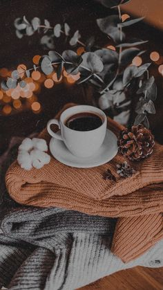 Cool Wallpapers For Your Phone, Iphone Wallpaper Quotes Love, Wallpaper Backgrounds, Coffee Photography, Autumn Photography, Autumn Aesthetic, Christmas Aesthetic, Aesthetic Backgrounds, Aesthetic Wallpapers
