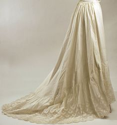 Petticoat Date: 1876 Culture: American Medium: cotton Dimensions: Length at CB: 60 in. (152.4 cm) Credit Line: Gift of Titi Halle, 1999 Accession Number: 1999.503.1
