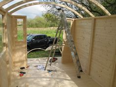 Roof trusses on the shepherd hut