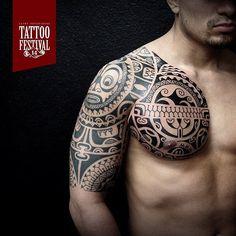 Dmitry Babahin @babakhintatau  Exhibitor of 14 Saint-Petersburg Tattoo Festival.  #tattoo #tattooartist #crazytattoos #tattoolife  #ink #inked #tattoolifemagazine #tattooartistmagazine  #tattooconvention #tattooexpo #tattooconnectz #tattoofestival #tattoofest  #татуировка #татуфест #татуфестиваль #татумастер