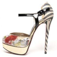 Stunning Women Shoes, Shoes Addict, Beautiful High Heels    Christian Louboutin