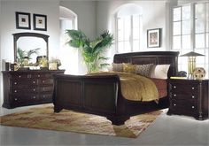 Gorgeous sleigh bed