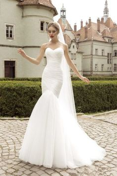 2015-New-Design-Ruched-Strapless-Mermaid-Tulle-Wedding-Dresses-White-Ivory-Tulle-Floor-length-Lace-Up.jpg (681×1024)