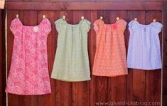 a Peasant Dress in 30 minutes with This Easy Pattern 30 Minute Peasant Pocket Dresses with little shabby flowers from Pick Your Minute Peasant Pocket Dresses with little shabby flowers from Pick Your Plum! Peasant Dress Patterns, Pillowcase Dress Pattern, Toddler Dress Patterns, Peasant Dresses, Peasant Dress Tutorials, Skirt Patterns, Coat Patterns, Blouse Patterns, Little Girl Dress Patterns
