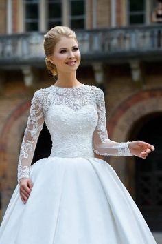 Modest Wedding Gowns, Wedding Dress Sleeves, Boho Wedding Dress, Dream Wedding Dresses, Bridal Dresses, Ball Dresses, Ball Gowns, Two Piece Wedding Dress, Mermaid Dresses