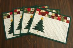 36 ideas christmas quilting projects for 2019 Christmas Quilting Projects, Christmas Patchwork, Christmas Placemats, Christmas Sewing, Christmas Mugs, Christmas Table Mats, Modern Christmas, Christmas Tree, Decorations Christmas