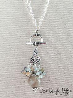 Quartz and Gemstone Pewter Beaded Dangle Necklace Wire Jewelry, Boho Jewelry, Jewelry Crafts, Wedding Jewelry, Beaded Jewelry, Jewlery, Jewelry Necklaces, Beaded Necklace, Beaded Bracelets