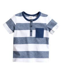 Shop kids clothing and baby clothes at H&M – We offer a wide selection of children's clothing at the best price. Little Boy Fashion, Baby Boy Fashion, Fashion Kids, Boys T Shirts, Sports Shirts, Baby Boy Outfits, Kids Outfits, Baby Kids Clothes, Kind Mode