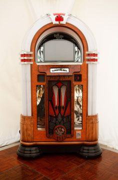 The famous jukebox - it was so much fun when we found one.