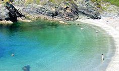 Lansollos cove, Cornwall top swimming in Cornwall British Beaches, Uk Beaches, Devon And Cornwall, Cornwall England, Yorkshire England, Yorkshire Dales, Places To Visit Uk, Places To Travel, Cornwall Castle