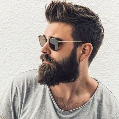 Totally cool beard and hair style - Männer Bart - Cheveux Popular Mens Haircuts, Cool Hairstyles For Men, Haircuts For Men, Men's Hairstyles, Men's Haircuts, Wedge Hairstyles, Brunette Hairstyles, Mens Hairstyles With Beard, Stylish Haircuts