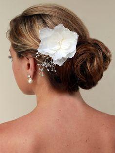 http://weddighair.blogspot.co.uk/2014/12/bridal-hair-flowers.html Bridal Hair Flowers - Weddig Hair