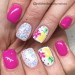 SO FUN! She's headed to Hawaii and I'm so jealous haha 🍍 🌺 . Hawaii Nails, Pineapple Nails, Hot Pink Nails, Vacation Nails, Painted Nail Art, Flower Nail Art, Accent Nails, Cool Nail Art, Nail Tech
