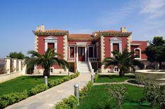 """ΝΕΟΣ ΠΑΛΑΜΗΔΗΣ: ΧΑΛΚΙΔΑ: «Κόκκινο Σπίτι» και «Σπίτι με τα Αγάλματα». 7+3 Φωτογραφίες.""""HOUSES"""" 7+ 3 Photos from Chalkis (Eubea).CALKIDA: (10 FOTOS) DUE CASE FAMOSE Places In Greece, Sidewalk, Mansions, House Styles, Home Decor, Luxury Houses, Interior Design, Home Interior Design, Pavement"""