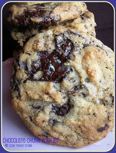 Chewy chocolate chunk cookies -(yes another recipe...I might be a collector of chocolate chip cookie recipies, lol...) --Yummy!