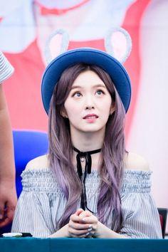 "Bờ vai quyến rũ ""chết người"" của Irene (Red Velvet)! - tintuckpop.net"