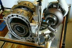 Gotta love the small package of a rotor motor and they can make some serious power Motor Wankel, Wankel Engine, Japanese Domestic Market, Performance Engines, Race Engines, Ex Machina, Car Engine, Japanese Cars, Mechanical Engineering